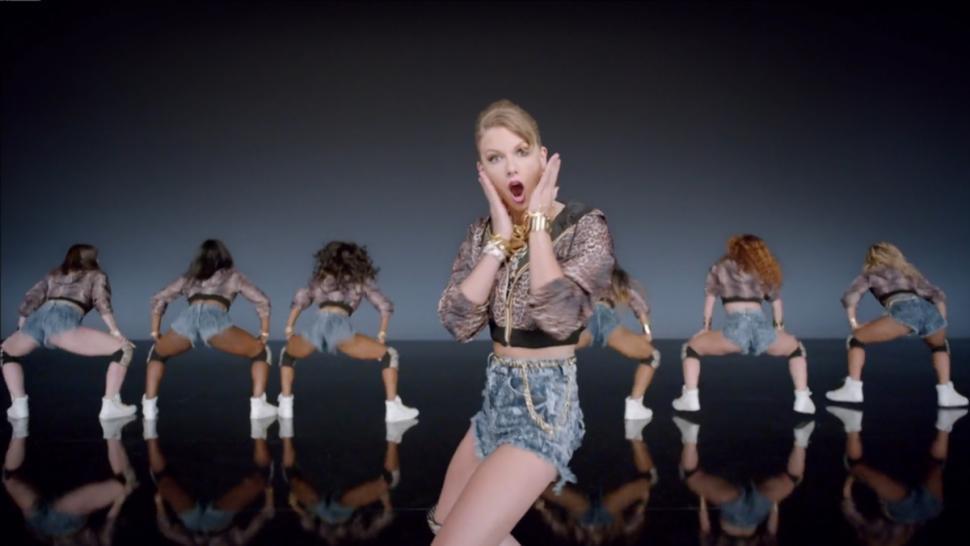 Shake It Off Di Taylor Swift Traduzione In Italiano Testo E Video