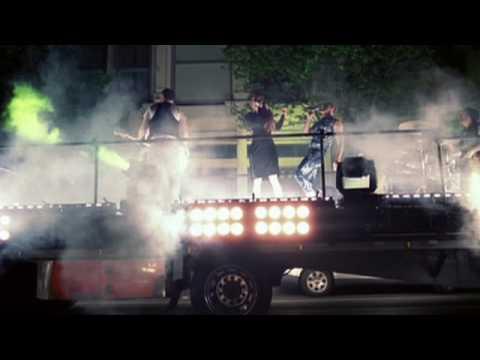 Fire With Fire – Testo, traduzione e video del nuovo singolo degli Scissor Sisters