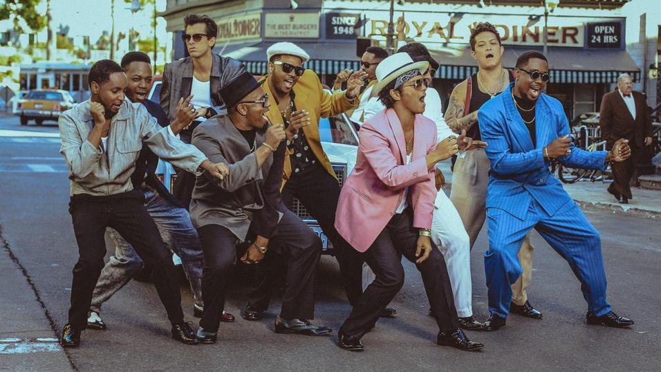 uptown-funk-video